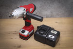 Avvitatore ad impulsi a batteria 420 Nm max. 2000 U/min 18 V