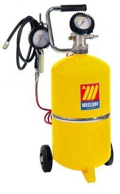 Pompa per pneumatici e manometro