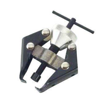 Trattore con braccio tergicristallo e palo della batteria